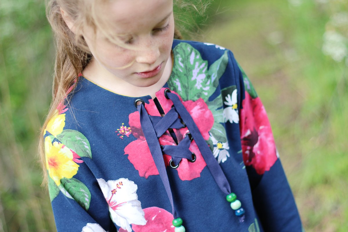Top Charline de Viguialca - le sweat fleuri